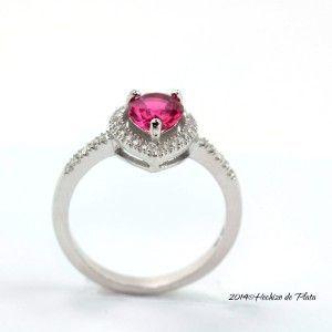 Anillo de plata con circonita rosa