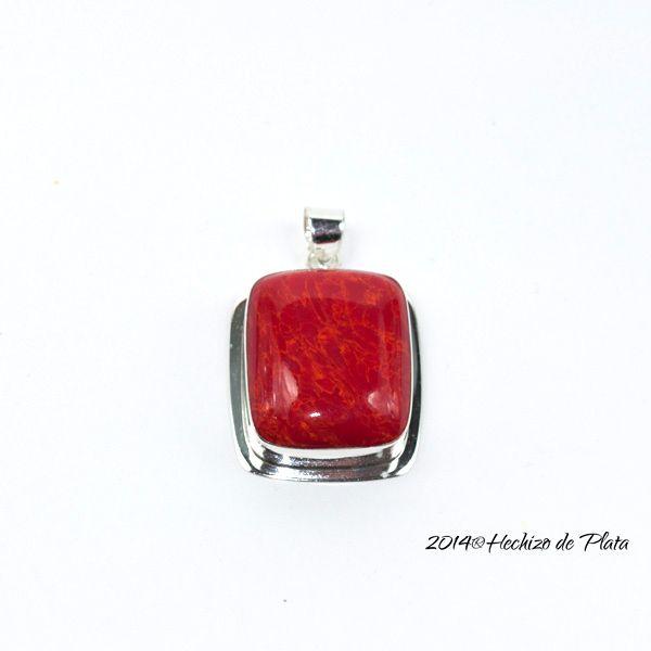 Colgante de plata con nácar rojo de Hechizo de Plata Joyería