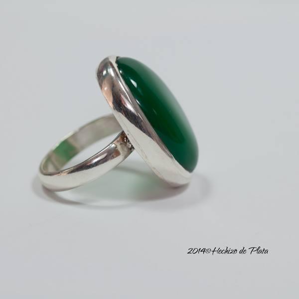 Anillo de plata con onix verde natural de Hechizo de Plata Joyería