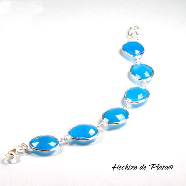 Pulsera de plata con calcedonia azul de Hechizo de Plata Joyería