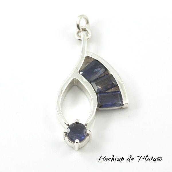 Colgante de Plata con Iolita azul de Hechizo de Plata Joyería