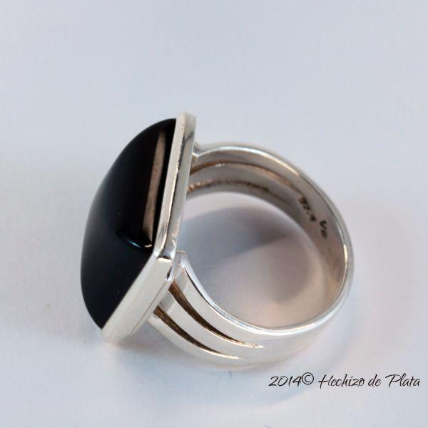 Anillo de plata y onix negro de Hechizo de Plata Joyería