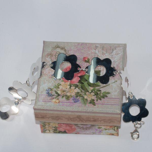 Pulsera de plata con flores de Hechizo de Plata Joyería