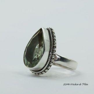 Anillo de plata con amatista verde de Hechizo de Plata Joyería