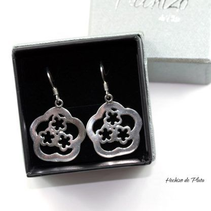Pendientes de plata con flores de hechizo de Plata Joyería