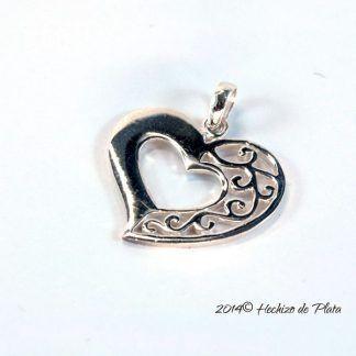 colgante de plata en corazón con filigrana de Hechizo de Plata Joyería
