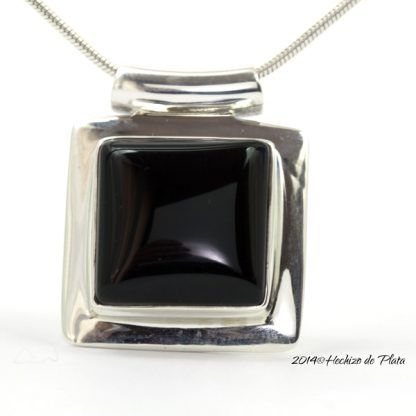 Colgante de plata con onix negro de Hechizo de Plata Joyería
