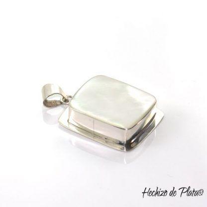 Colgante de plata con nácar blanco de Hechizo de Plata
