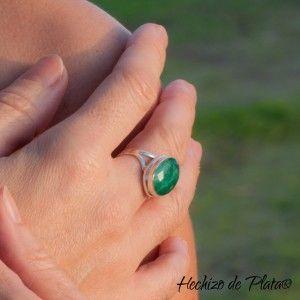 Anillo verde esmeralda de Hechizo de Plata Joyería