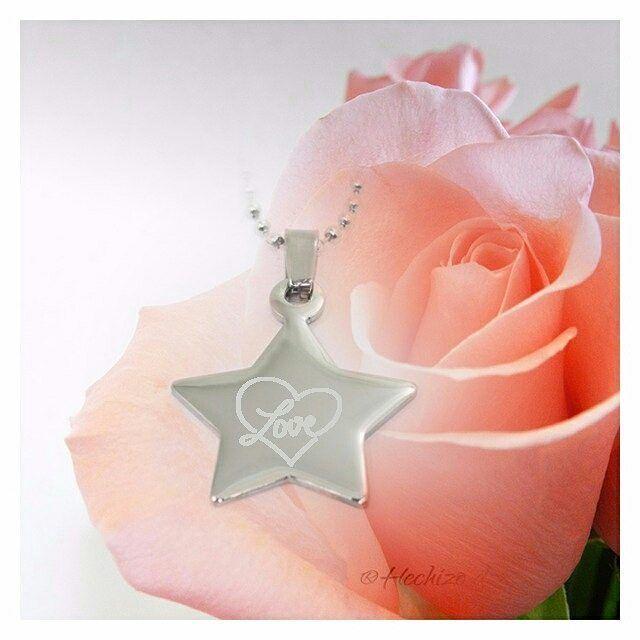 Para estrellas del amor.Mi regalo originalHechizo de PlataAcero grabado con el corazón.Nunca fue más fácil acertar.http://www.hechizodeplata.com/tienda/acero-para-grabar/