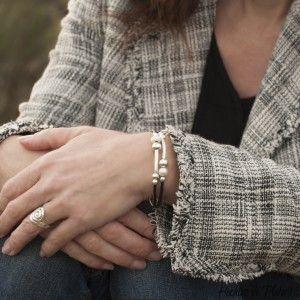 pulsera personalizada con perlas y plata de Hechizo de Plata Joyería