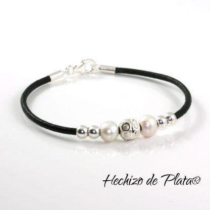 Pulsera de cuero personalizable con plata y perlas de Hechizo de Plata Joyería