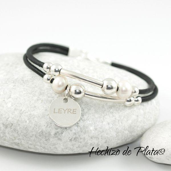 Pulsera de cuero con plata y perlas de Hechizo de Plata joyería