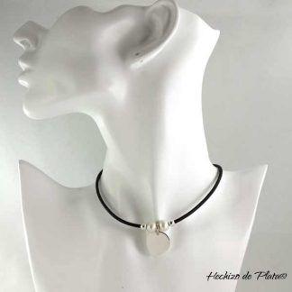 Colgante personalizado en cuero plata y perlas de Hechizo de Plata Joyería