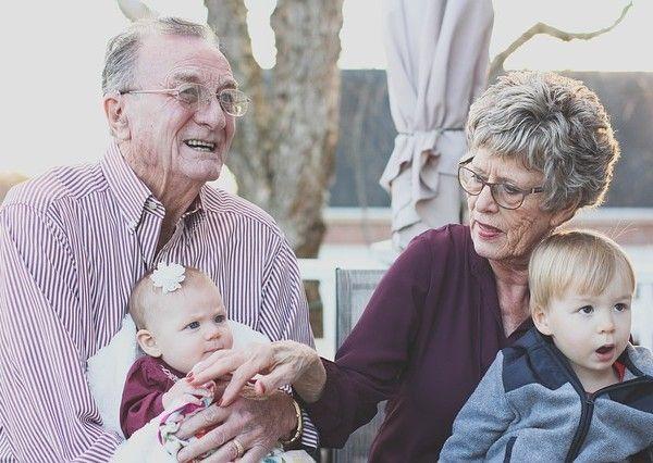 abuelos y nietos de Hechizo de Plata