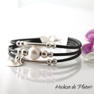 Pulsera personalizada en cuero negro de Hechizo de Plata Joyría
