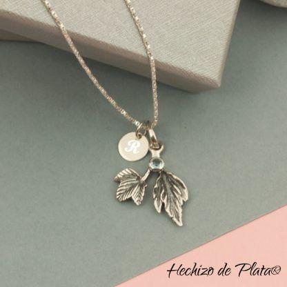 Colgante personalizado hojas azul y medalla para grabar inicialde Hechizo de Plata joyería