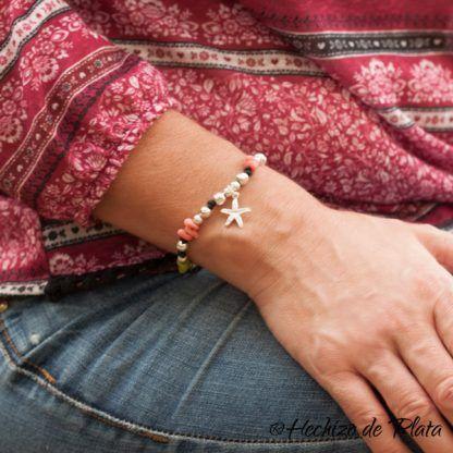 Pulsera personalizada en cordón con estrerlla, plata y cristales artesanales de Hechizo de Plata joyería