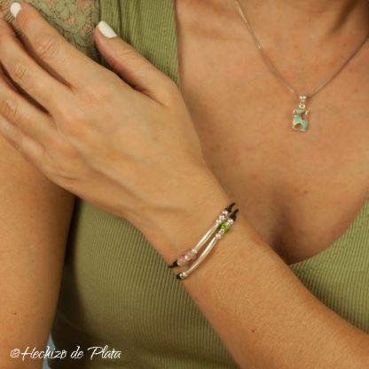 pulsera con cristal rosa y plata personalizada de Hechizo de Plata Joyería