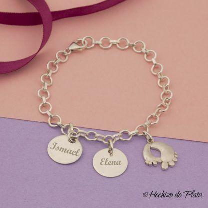 pulsera personalizada con pies de bebe de Hechizo de Plata joyería